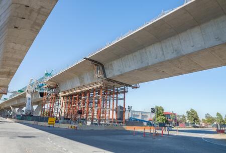 בניית גשרים על ידי אמצ שמש
